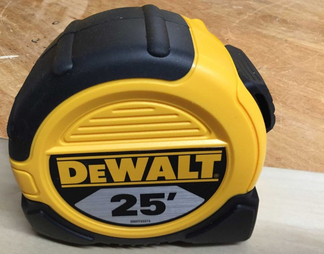 DeWalt DWHT33373 tape measure