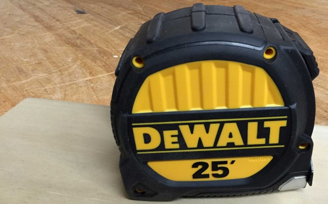 DeWalt DWHT33975 tape measure