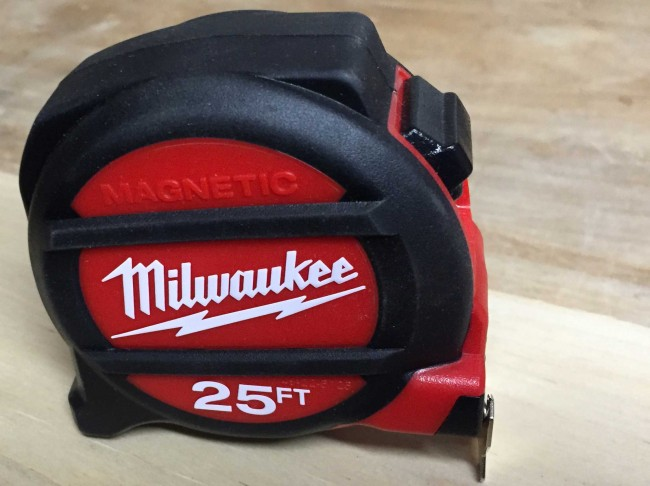 Milwaukee Magnetic tape measure