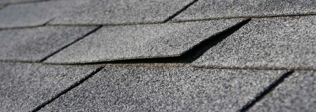Top 12 Warning Signs Your Asphalt Shingle Roof Needs to be Replaced – Shingles Lifting On Roof