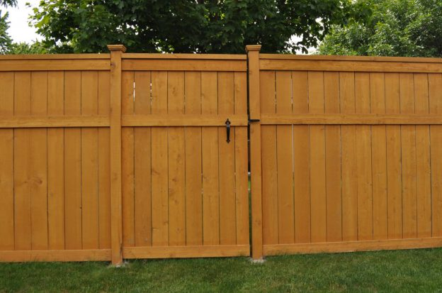 cedar fence installation labor cost
