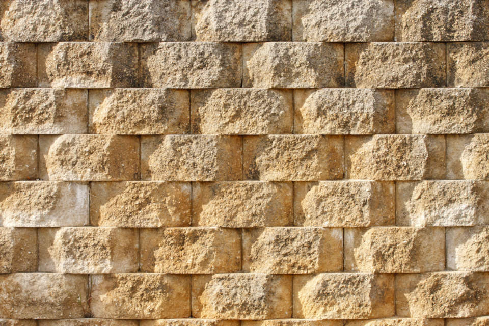 Retaining Wall Block Measurements : How much does it cost to build a retaining wall