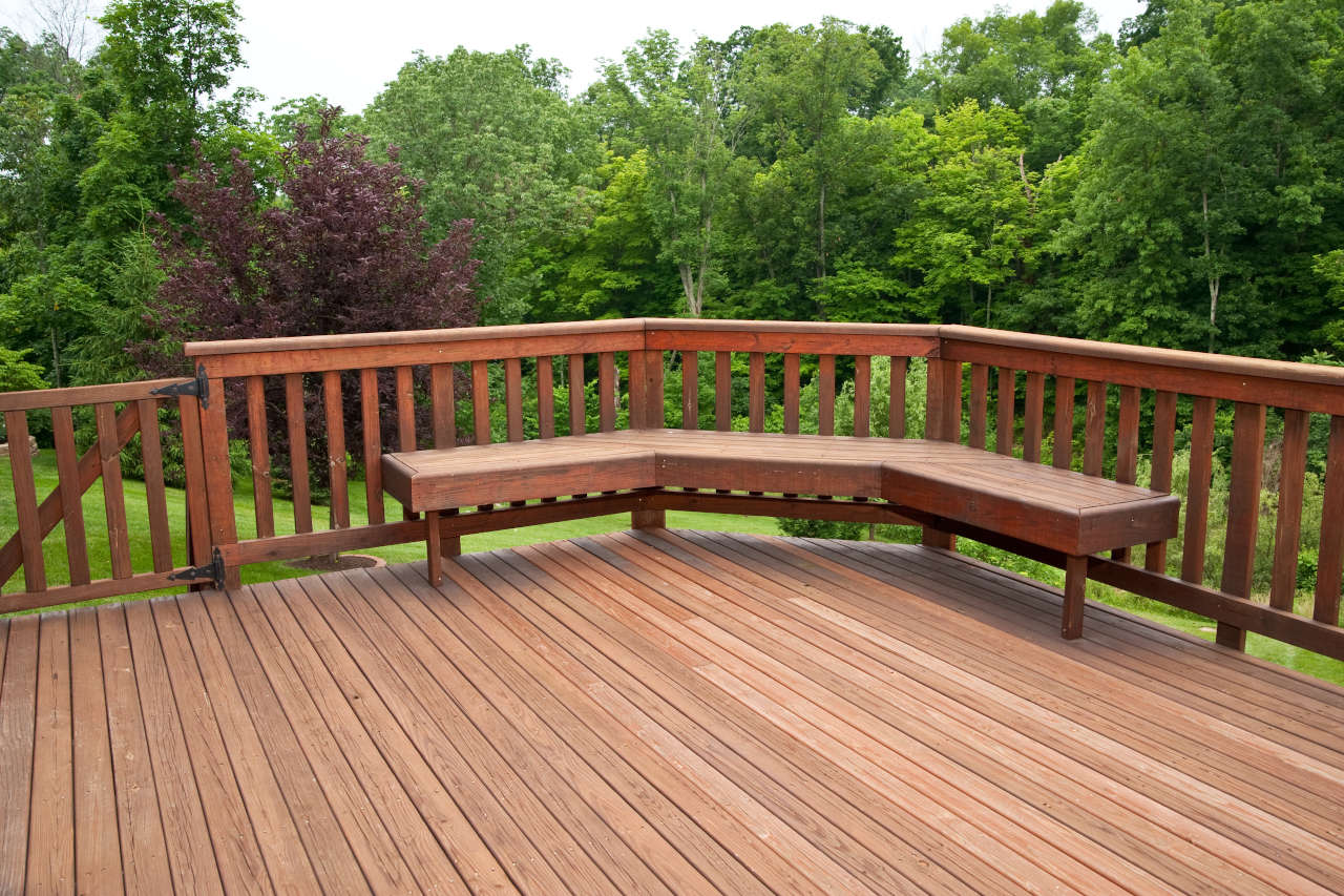 Find how much it costs to build a deck