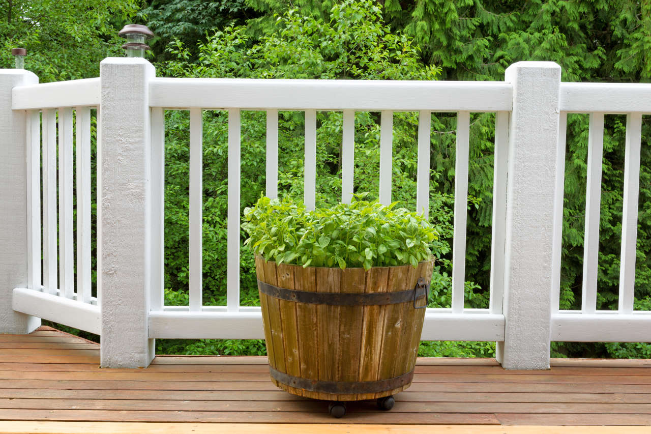 Find how many balusters are needed for a deck or stair railing